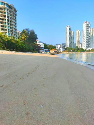 G&T's Beach Front Villa, Pulau Penang