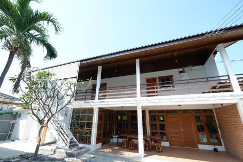 Hua hin Seabreeze house 1min walk to beach Hua hin Seabreeze house 1min walk to beach