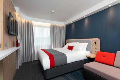 Holiday Inn Express Bath, An Ihg Hotel - Photo 2 of 29