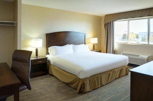 Holiday Inn Lethbridge - Lethbridge, AB T1K 7M1