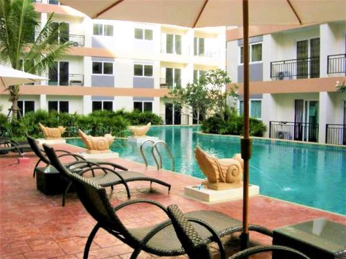 Park lane condominium Pattaya free shuttle bus to beach Park lane condominium Pattaya free shuttle bus to beach