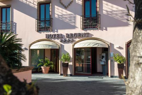 . Hotel Regent