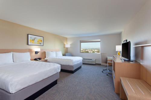 Holiday Inn Los Angeles - LAX Airport, an IHG Hotel - image 10