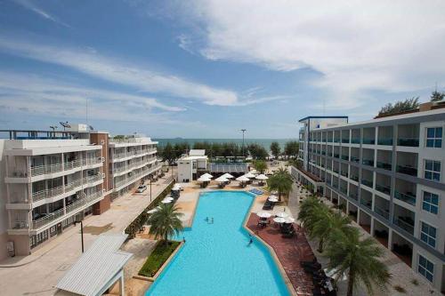 GrandBlue Condominium Sea View GrandBlue Condominium Sea View