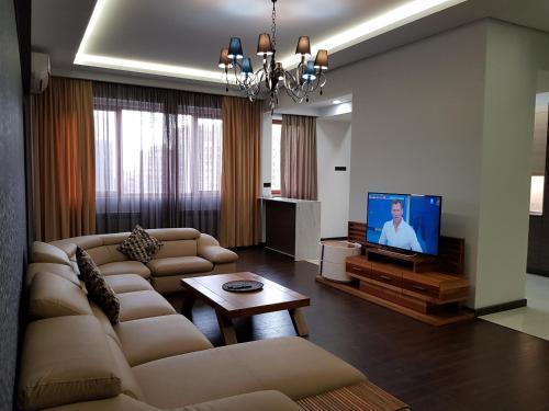 Northern Avenue - Teryan crossroads 3bedroom Modern and comfortable apartment TT666