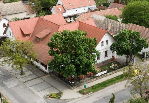 Rácz Fogadó, Pension in Kisoroszi