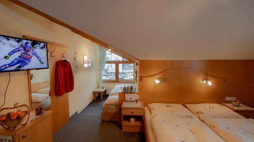 Gästehaus Lorenzi - Accommodation - Sölden