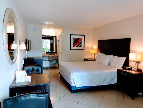 Red Carpet Inn Airport Fort Lauderdale - image 10