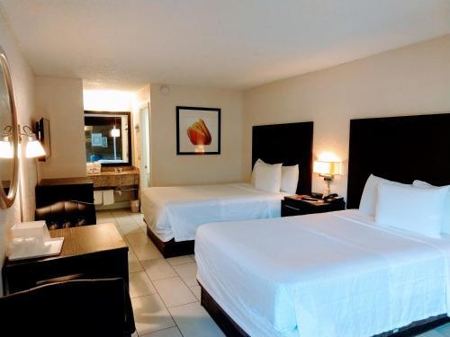 Red Carpet Inn Airport Fort Lauderdale - image 4