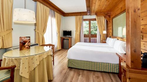 Superior Double or Twin Room - single occupancy Hotel Grèvol Spa 11