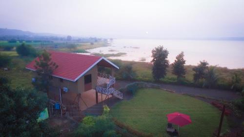 . Lake View Holiday Villa Near Sula Wine Yard With 3 BdRms