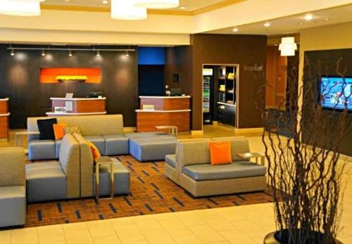 Courtyard by Marriott Baldwin Park - Baldwin Park, CA CA 91706