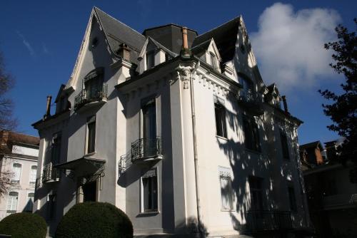 Appartement T3 - 55m2 en centre-ville de Luchon pour 4 pers - Cure - Randonnée - Ski Luchon-Superbagnères