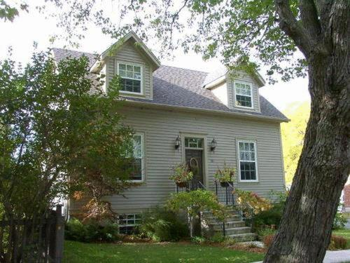 Antique Slumber Old Town Bed&Breakfast - Accommodation - Niagara on the Lake