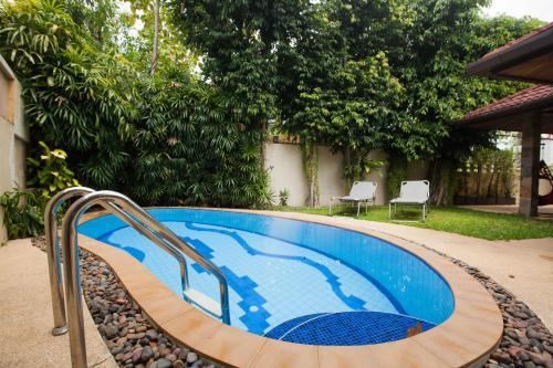 Naiharn Beach Villa Naiharn Beach Villa