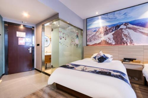 . Xinhuating Business Hotel