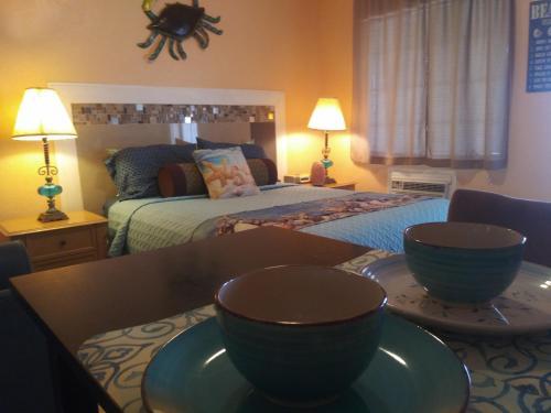 . Siesta Motel and Surfside Cabanas