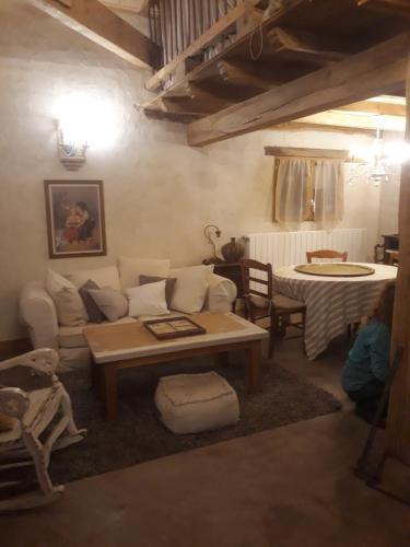 Accommodation in Cazes-Mondenard