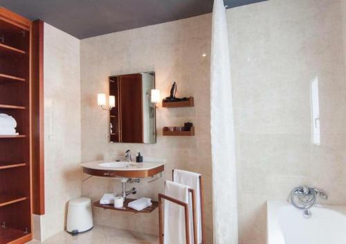 Suite - 2ª planta Hotel Boutique Villa Lorena by Charming Stay 8