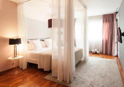 Suite - 2ª planta Hotel Boutique Villa Lorena by Charming Stay 3