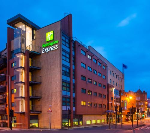 . Holiday Inn Express - Glasgow - City Ctr Riverside, an IHG hotel