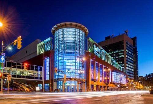 Bed bath DowntownParking Great views - Winnipeg, MB R3C 1N6