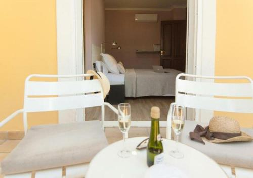 Habitación Doble con terraza - 1ª planta Hotel Boutique Villa Lorena by Charming Stay 2