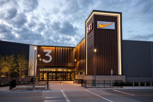 Bdr Priv Entrance Free Parking South Wpg - Winnipeg, MB R3Y 1Z9