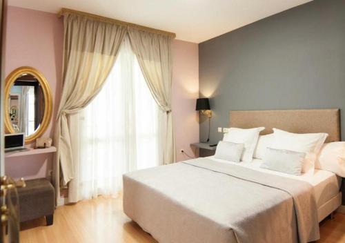 Habitación Doble con balcón - 1 o 2 camas Hotel Boutique Villa Lorena by Charming Stay 15