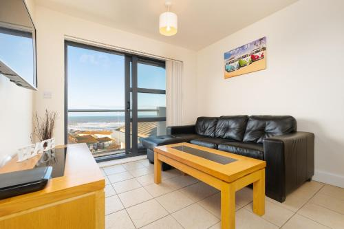 . West Beach - Holiday Apartments