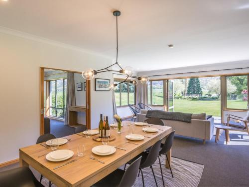 Lakes Retreat - Queenstown Holiday Home - Arrowtown
