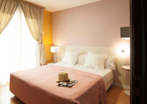 Habitación Doble con balcón - 1 o 2 camas Hotel Boutique Villa Lorena by Charming Stay 121