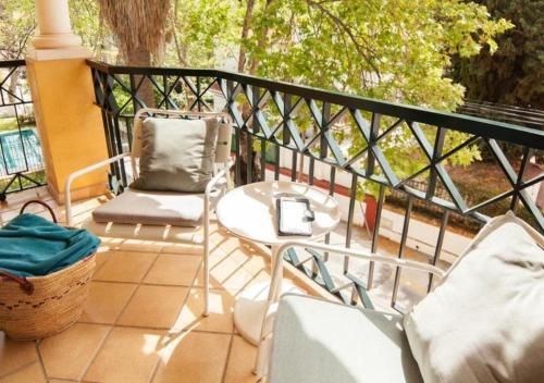 Habitación Doble con balcón - 1 o 2 camas Hotel Boutique Villa Lorena by Charming Stay 2