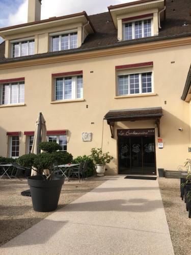 . Hôtel La Bonbonnière - Dijon