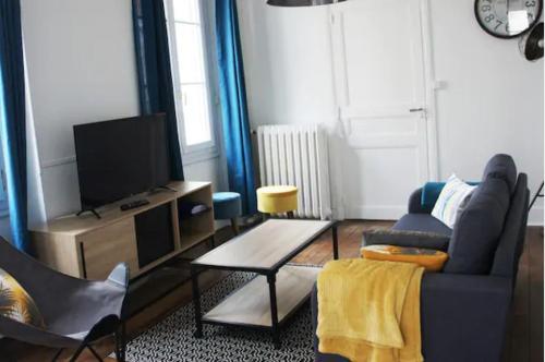 Bel appartement ancien Poitiers Centre - 4 Chambres - Location saisonnière - Poitiers