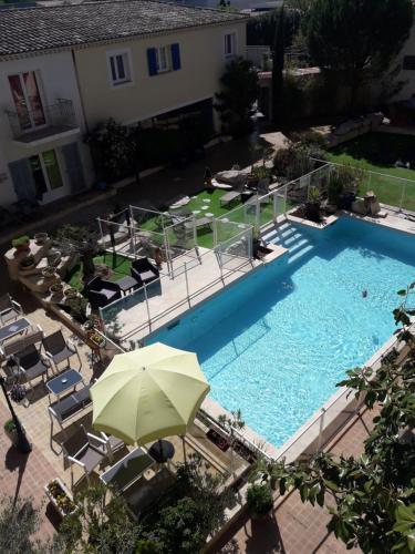 The Originals City, Hôtel Le Village Provençal, Aix-en-Provence Nord (Inter-Hotel) - Hôtel - Pertuis