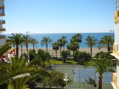 Valparaiso Apartment 50 mts from Beach, pools, sea views, tenis, terrace