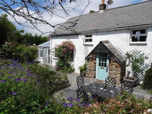 Mays Cottage St Issey, Padstow, Cornwall