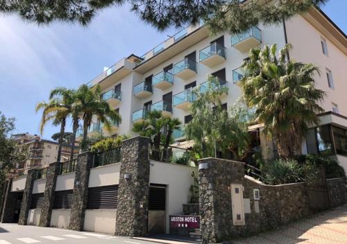 . Hotel Ariston & Apartments