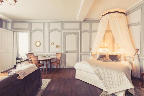La Maison de la Liberté Suite Jeanne Barret - Location saisonnière - Poitiers
