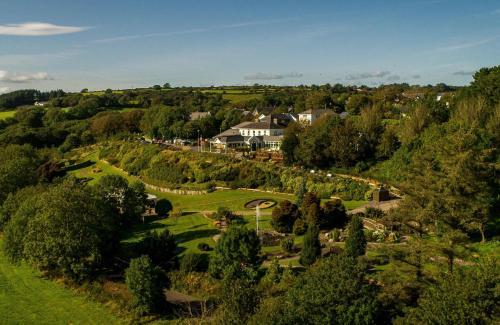 . Fernhill House Hotel & Gardens