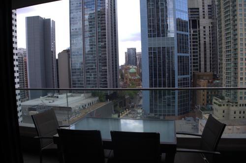 Large 2 Bedroom Apartment in World Square Sydney CBD - image 8