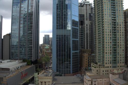 Large 2 Bedroom Apartment in World Square Sydney CBD - image 9