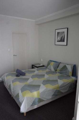 Large 2 Bedroom Apartment in World Square Sydney CBD - image 11
