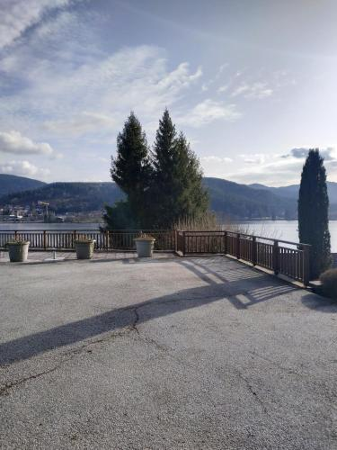 Le Manoir Au Lac