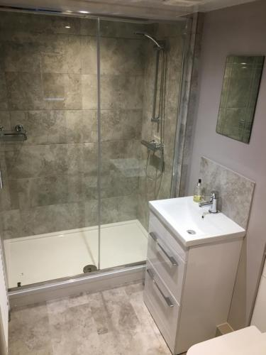 Linden Tree Holiday Apartments - Photo 8 of 22