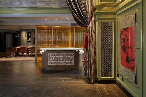 The Burgess Hotel Trademark Collection by Wyndham-Newly Renovated!