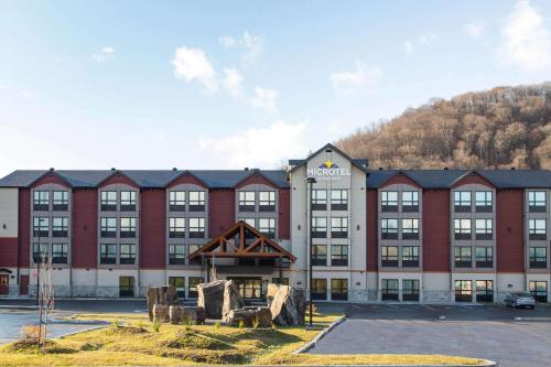 . Microtel Inn & Suites by Wyndham Mont Tremblant