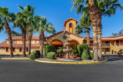 Quality Inn and Suites Goodyear