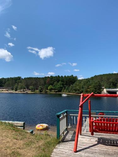 Algonquin Lakeside Inn - Photo 6 of 145